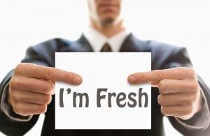 Keuntungan rekrut fresh graduate