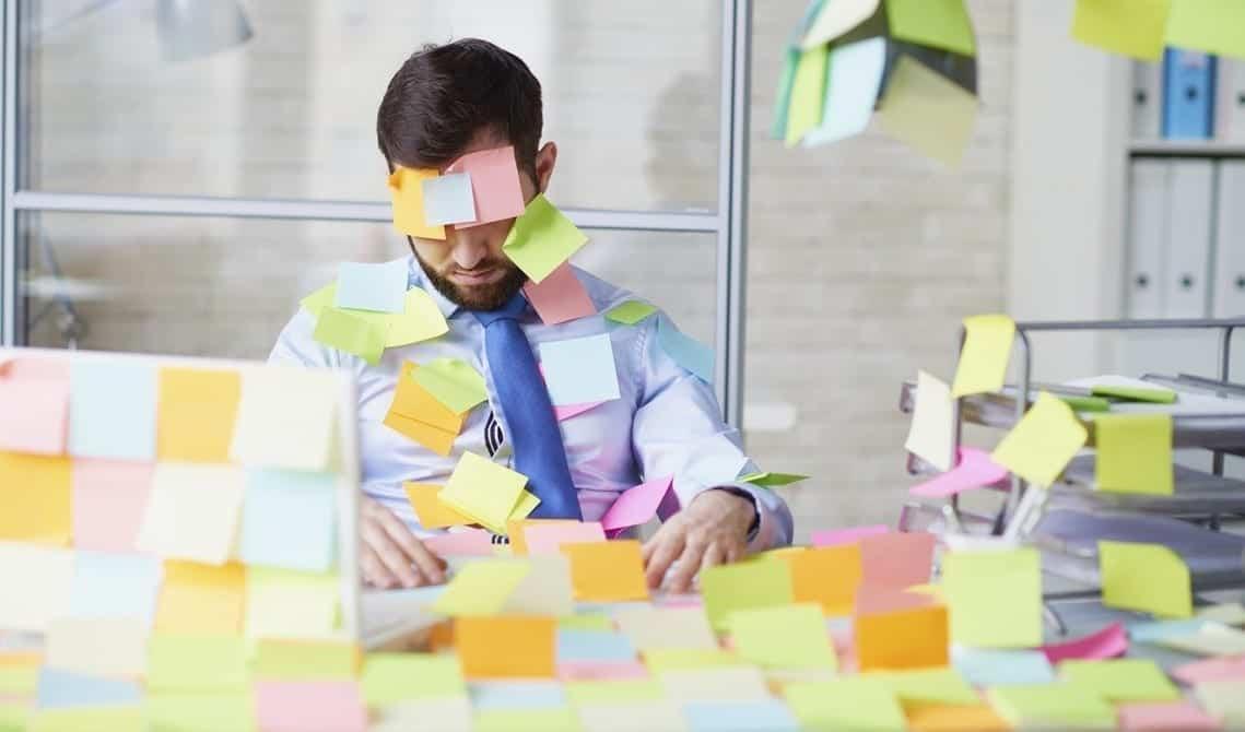 Berbagai Kebiasaan Buruk Yang Perlu Dihindari di Tempat Kerja