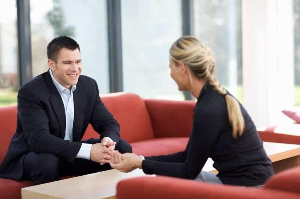 10 Pertanyaan yang Tak Perlu Ditanyakan Saat Interview akan Berakhir