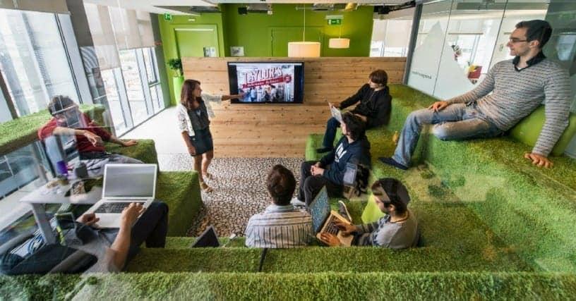 Seperti Apa Konsep Kerja Millenial Pada Era Serba Teknologi