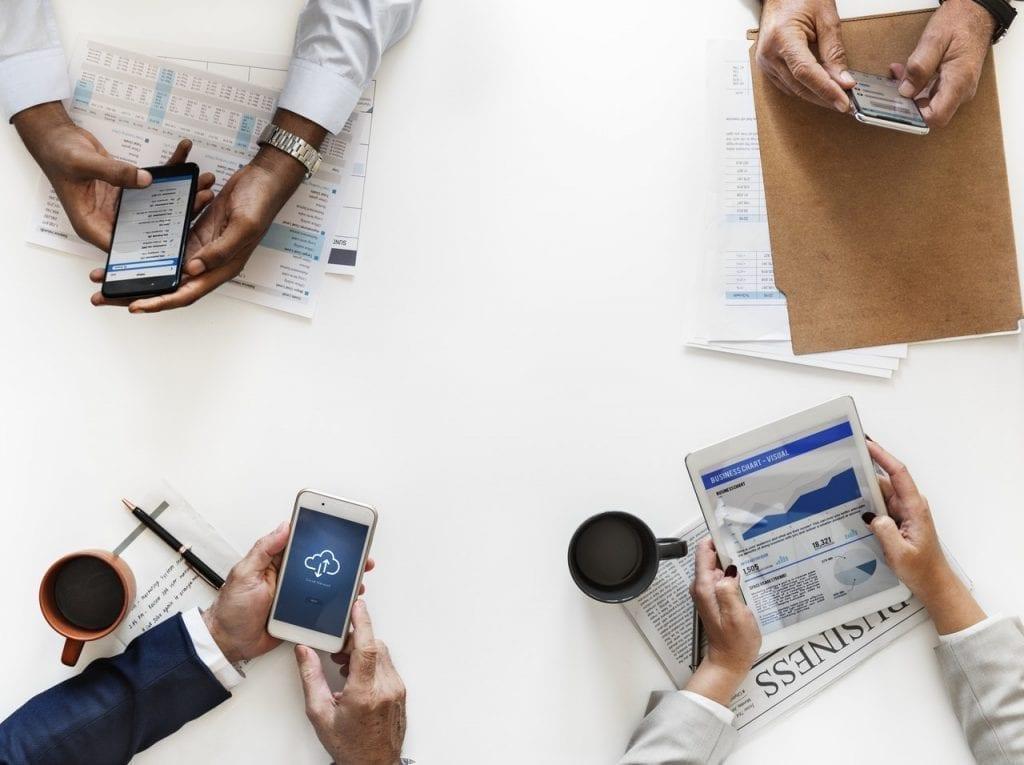 Mulai pahami pentingnya tujuan, bentuk, hingga manfaat transformasi digital dalam Bisnis  untuk menumbuhkan produktivitas dan daya saing.