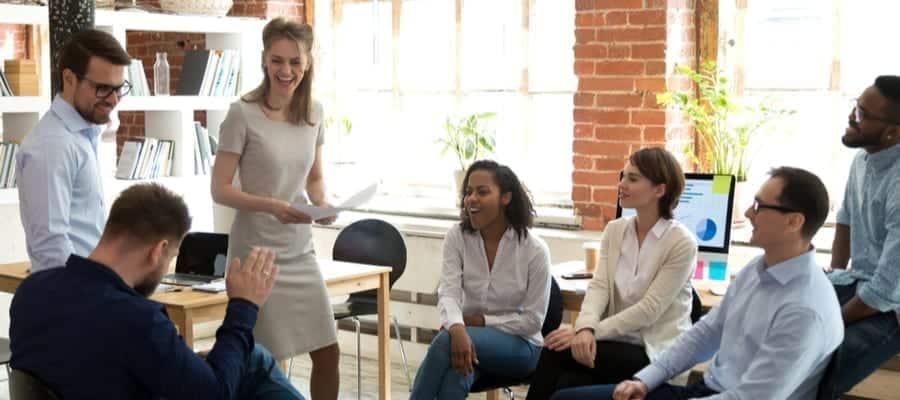 Karyawan Sukses, Generasi Milenial VS Generasi Z