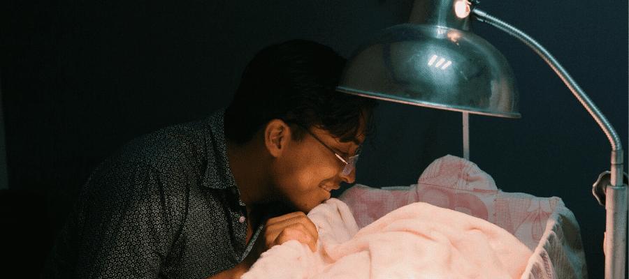 Cuti Melahirkan bagi Suami dan Aturannya di Indonesia