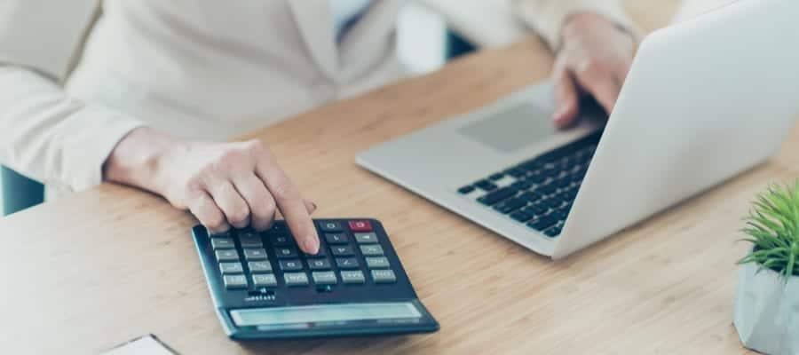 Cloud Membantu Perhitungan Payroll yang Efisien.