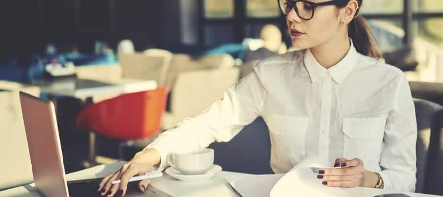 Efektivitas dan Praktisnya Menyimpan Data Karyawan Melalui HR Software