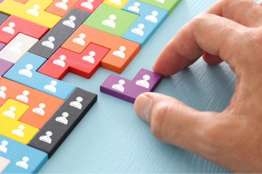 Apa itu manajemen, pengertian manajemen, definisi manajemen, arti manajemen, hingga fungsi manajemen menurut henry fayol dan para ahli yang lainnya.