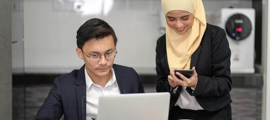 Permudah Absensi Karyawan Lewat Aplikasi Absensi Online