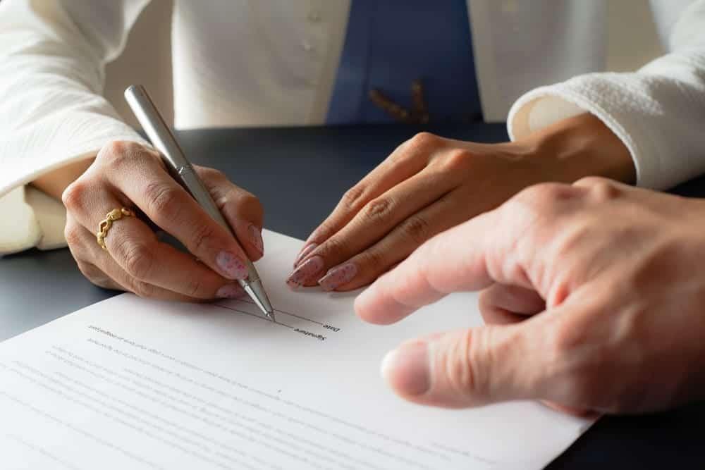 Pengertian dan Jenis Kontrak Kerja Karyawan