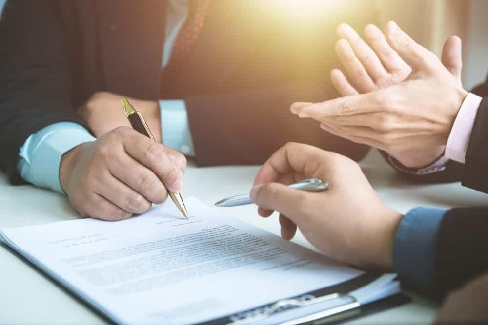 Kontrak Kerja Adalah Kesepakatan, Hindari 4 Hal Ini!