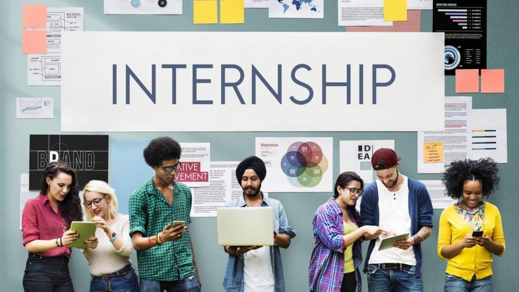 Bagaimana Aturan Karyawan Internship, Intern atau Magang di Indonesia? Temukan Di Insight Talenta!