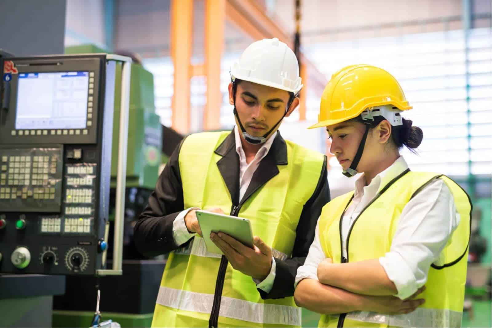 Serba-serbi Hukum Ketenagakerjaan dan Hubungan Industrial di Indonesia
