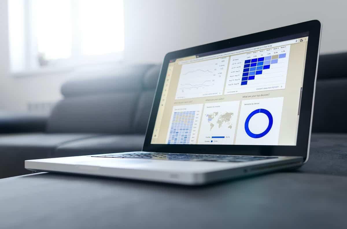 Berikut Contoh Data Karyawan pada Sistem HRIS dan Excel di Perusahaan
