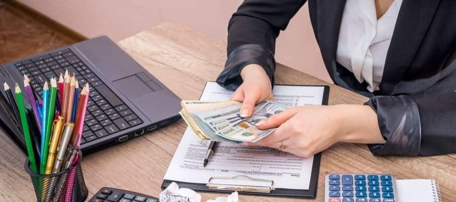 Hak Dasar Karyawan Pada Aturan Payroll Indonesia