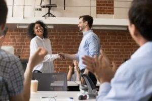 Bonus Tahunan Karyawan dan Cara Mudah untuk Menghitungnya