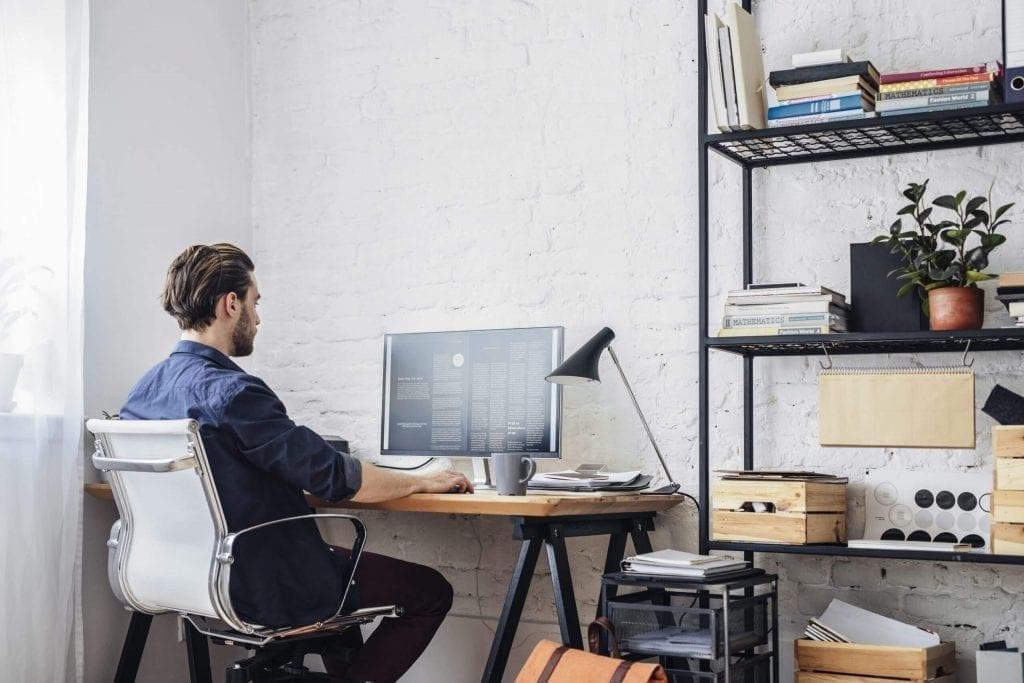 Jadi Bagaimana Cara Memilih Software Payroll dan HRIS Online Untuk Mendukung Karyawan WFH?